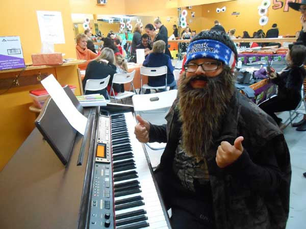 Duck Dynasty Piano Player